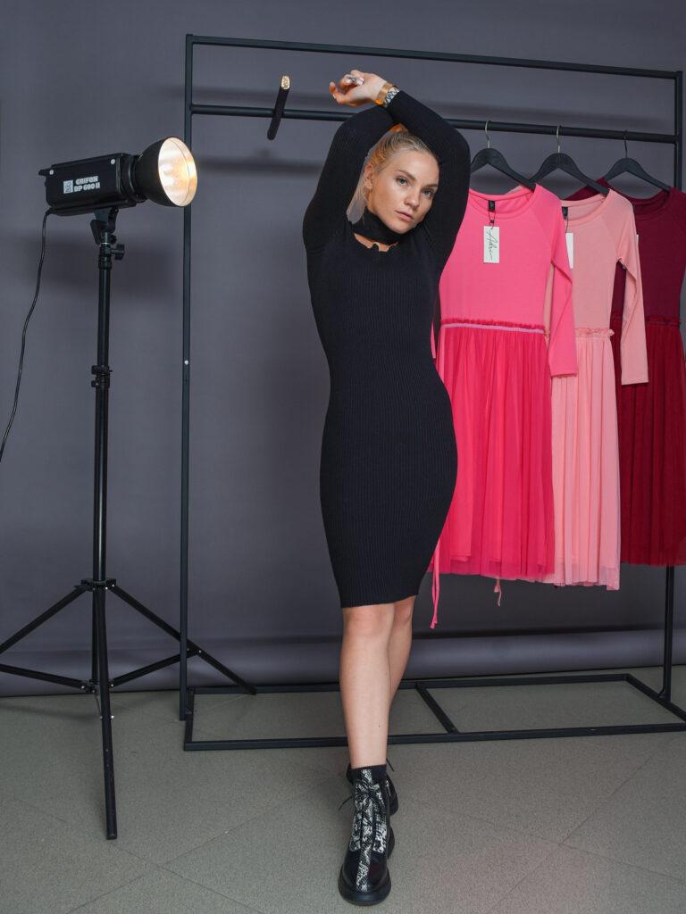 Платье Rinascimento модель CFM009637003