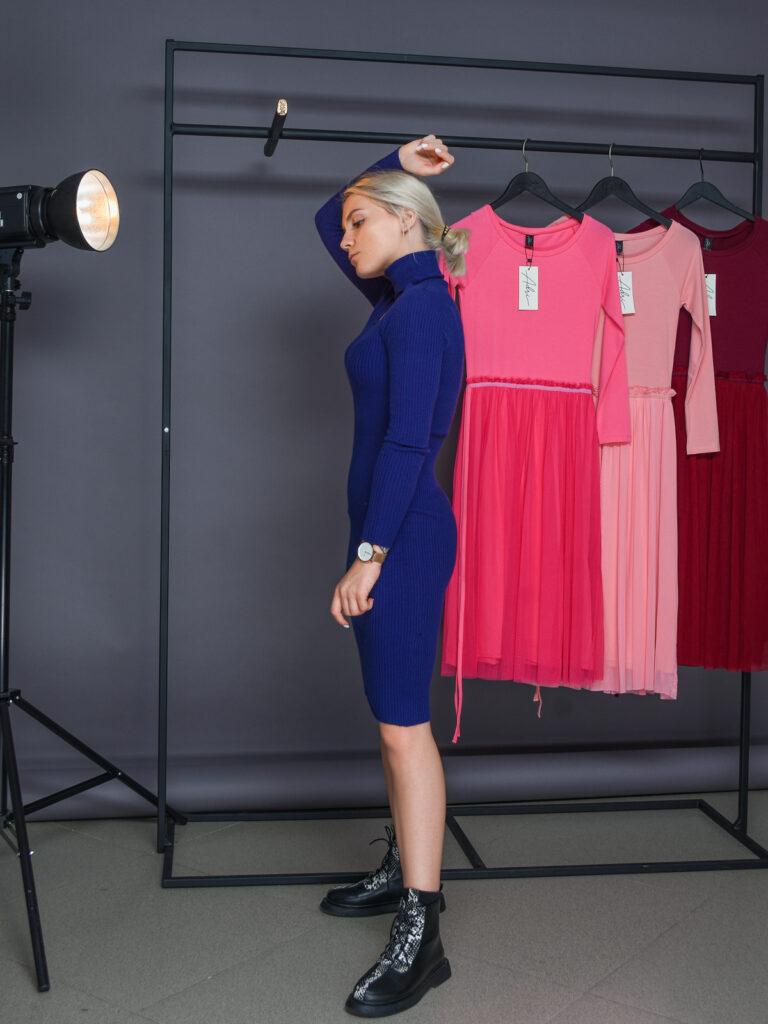 Платье Rinascimento модель CFM0009367003